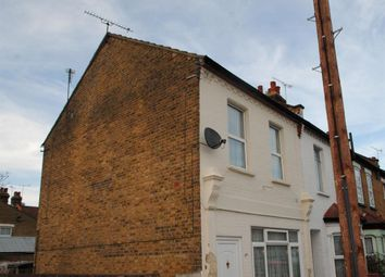 Thumbnail 1 bedroom flat to rent in Wallis Avenue, Southend-On-Sea