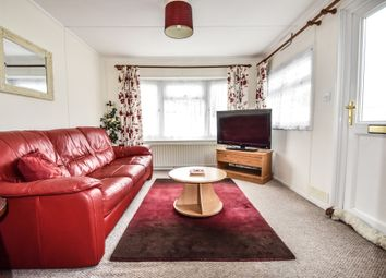2 bed mobile/park home for sale in Shamblehurst Lane, Hedge End, Southampton, Hampshire SO30