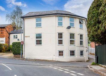 2 bed flat to rent in Gawcott Road, Buckingham MK18