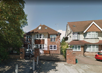 Thumbnail Flat to rent in Great West Road, Isleworth, London