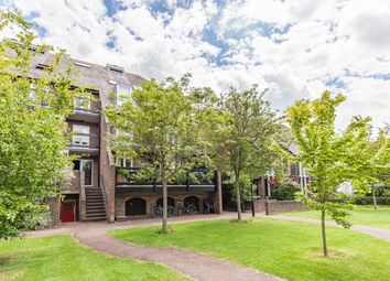 Thumbnail 1 bed flat to rent in Shirelake Close, Oxford