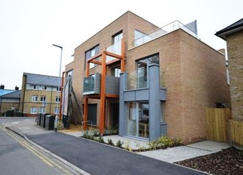 Thumbnail 1 bed flat to rent in New Street, Cambridge