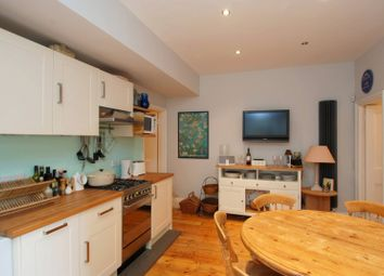 3 bed maisonette to rent in Abbeville Road, Clapham Park SW4