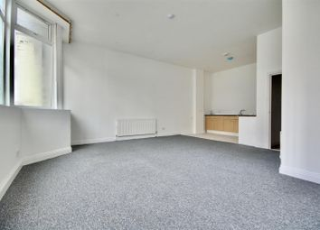 2 bed flat to rent in Kingston Road, Portsmouth PO2