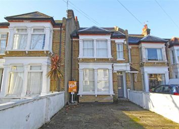 Thumbnail 2 bed flat for sale in Avenue Road, Westcliff On Sea, Essex