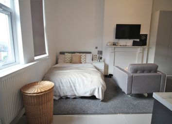 1 bed property to rent in Kelso Road, Leeds LS2