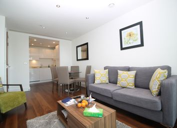 Thumbnail 1 bed flat to rent in Talisman Tower, Lincoln Plaza, Canary Wharf