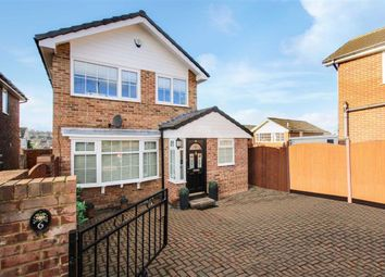 Thumbnail 3 bed detached house for sale in Cliffe Park Mount, Wortley, Leeds, West Yorkshire