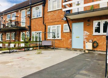 Thumbnail 2 bed flat to rent in The Parade, Brighton Road, Tadworth