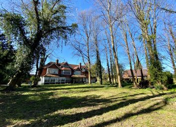 Thumbnail 1 bed flat to rent in Downs Avenue, Epsom