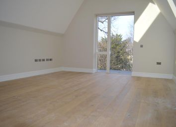 Thumbnail 1 bed flat to rent in North Common Road, London