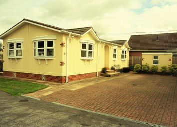 3 bed mobile/park home for sale in Fairholme Park, Ollerton, Newark NG22