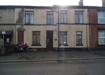 2 bed flat to rent in Walshaw Road, Bury BL8