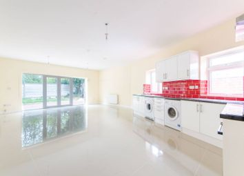 Thumbnail 3 bed detached house for sale in Lavender Hill, Gordon Hill