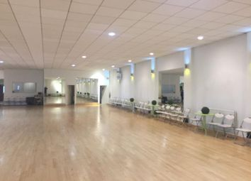 Thumbnail Leisure/hospitality to let in Wandsworth, High St, London