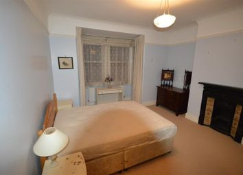 Thumbnail 1 bed flat to rent in Navestock Crescent, Woodford Green