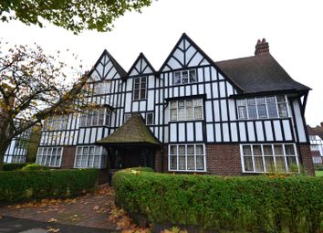 Thumbnail 3 bed flat to rent in Links Road, Acton, London