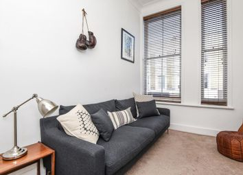 Thumbnail 1 bed flat to rent in Portobello Road, W11