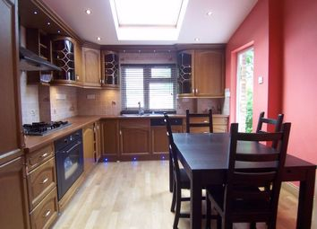 Thumbnail 2 bed flat to rent in Vaughan Road, Harrow, Middlesex