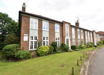Thumbnail 2 bed flat for sale in Portsmouth Road, Thames Ditton