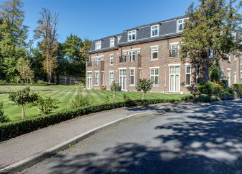 Thumbnail 3 bed flat for sale in Beech Hill, Hadley Wood