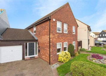 Thumbnail 4 bed link-detached house for sale in Platford Green, Emerson Park