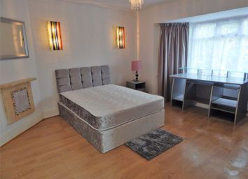 Room to rent in Whitchurch Lane, Canons Park, Edgware HA8
