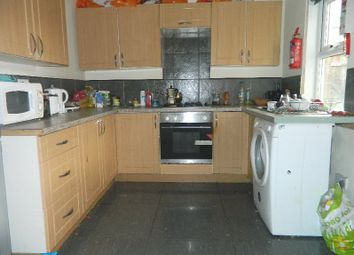 Thumbnail 5 bed terraced house to rent in Second Avenue, Heaton