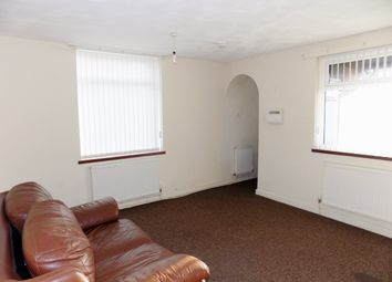 Thumbnail 1 bedroom flat to rent in Kingsdown Road, Abram
