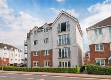 Thumbnail 2 bedroom flat for sale in Ingram Close, Larkfield, Aylesford
