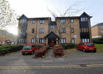 Thumbnail 3 bed flat to rent in Woodland Grove, Epping