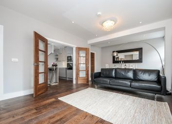 Thumbnail 2 bedroom flat to rent in Station Road, Gerrards Cross