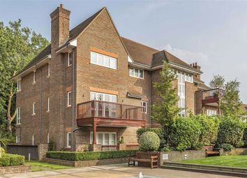 3 bed flat for sale in Hammers Lane, Mill Hill, London NW7