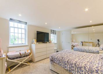3 bed flat for sale in Princess Park Manor, Friern Barnet, London N11