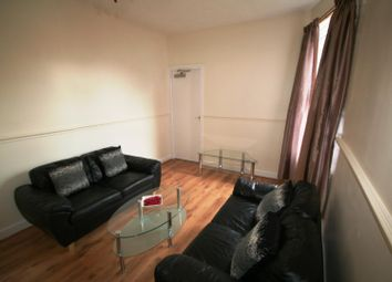 Thumbnail 4 bed flat to rent in Flat 2, 207 Hyde Park Road, Hyde Park