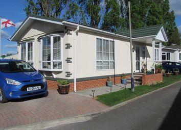 Thumbnail 2 bed mobile/park home for sale in Brookside Park, Hawley Lane, Farnborough, Hampshire