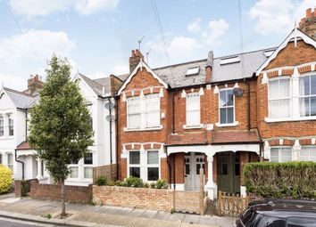 Dunraven Road, London W12. 2 bed flat