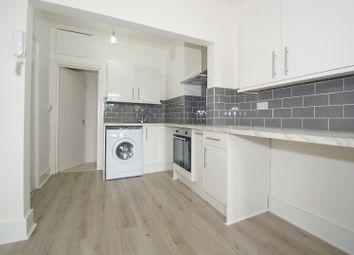 Thumbnail Studio to rent in Maple Road, Penge