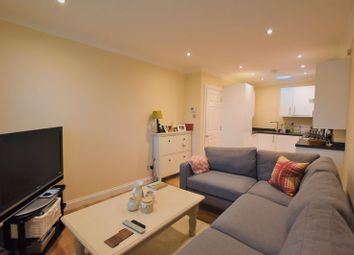 Thumbnail 1 bedroom flat to rent in Thorkhill Road, Thames Ditton