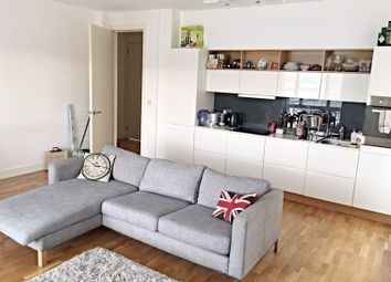 Thumbnail 2 bed flat to rent in Old Kent Road, Elephant & Castle