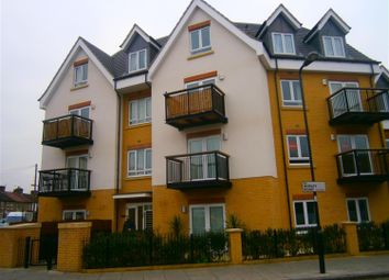 Thumbnail 1 bed flat to rent in Featherstone Road, Southall, Middlesex