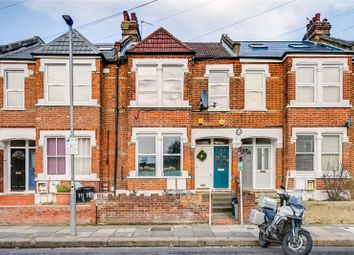 3 bed maisonette for sale in Sellincourt Road, London SW17