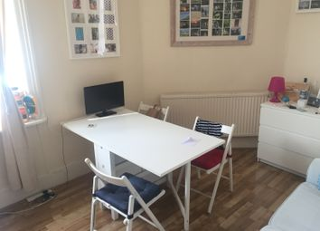 Thumbnail Studio to rent in Kilburn High Road, London