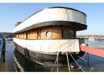 Medway Bridge Marina, Rochester ME1. 6 bed houseboat