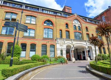60 Fairfield Road, Bow E3. 1 bed flat for sale