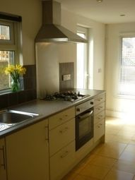 Thumbnail 4 bed terraced house to rent in Scales Road, London