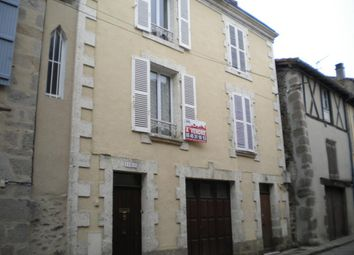 Thumbnail Town house for sale in Poitou-Charentes, Charente, Confolens
