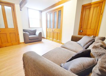 Thumbnail 1 bedroom flat to rent in Oakwood Avenue, Leeds
