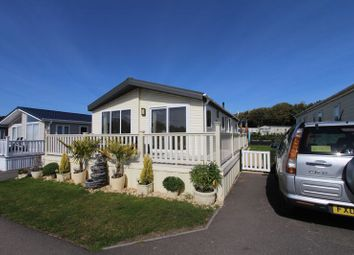 Thumbnail 2 bed mobile/park home for sale in Solent Breezes, Hook Lane, Southampton
