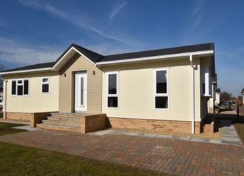 2 bed mobile/park home for sale in Commons Road, Whittlesey, Peterborough PE7